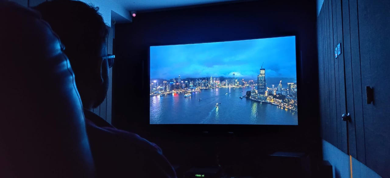 Why A Fixed Frame Projection Screen Is Better Than Projecting On A Wall